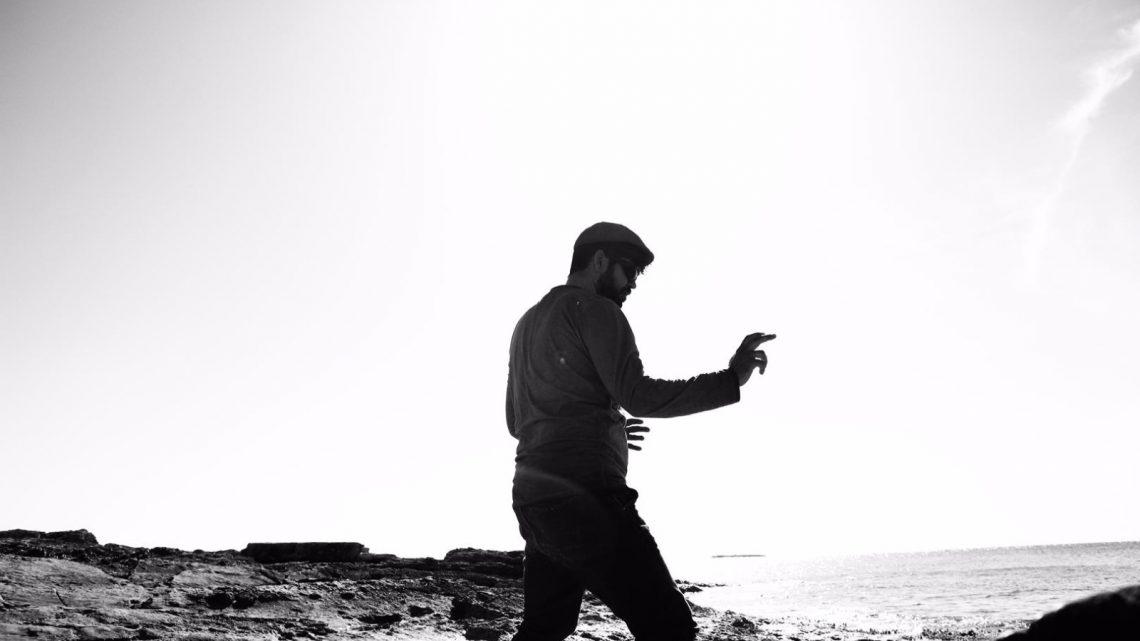 Haciendo taichí en la playa uno reinventa su alma